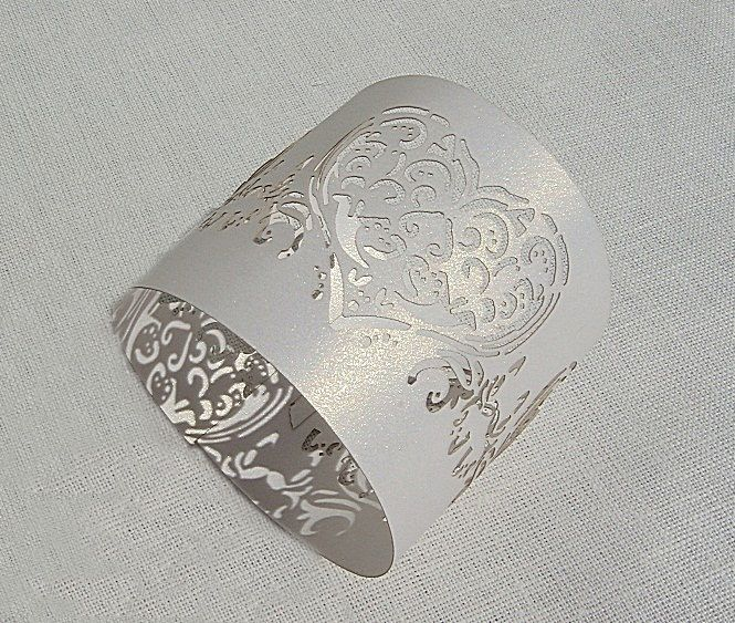 Pásek na ubrousky - dekor srdíčka; bílá - 12ks